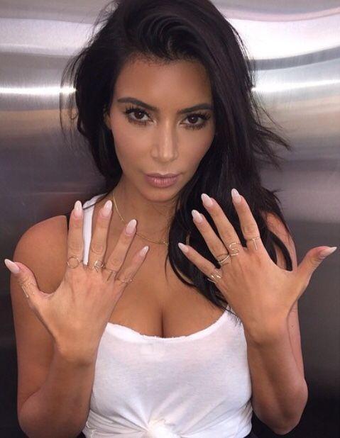 kim-kardashian-stiletto-nail-unhas.jpg
